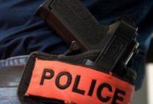 Photo of طنجة.. شرطي يستخدم سلاحه لإيقاف شخص هدد مواطنا باستعمال سيف