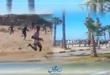 Photo of شباب يقتحمون شاطئ أصيلة احتجاجا على قرار إغلاقه-فيديو